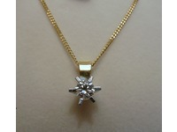 18ct yellow and white gold solitaire necklet