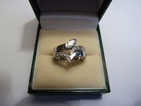 18ct white gold interlocking engagement and wedding ring set with diamonds