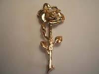 9ct yellow gold rose brooch